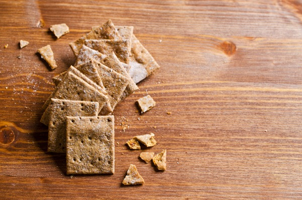 Healthy Snacks - Whole wheat crackers